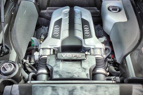 V8 motor Audi