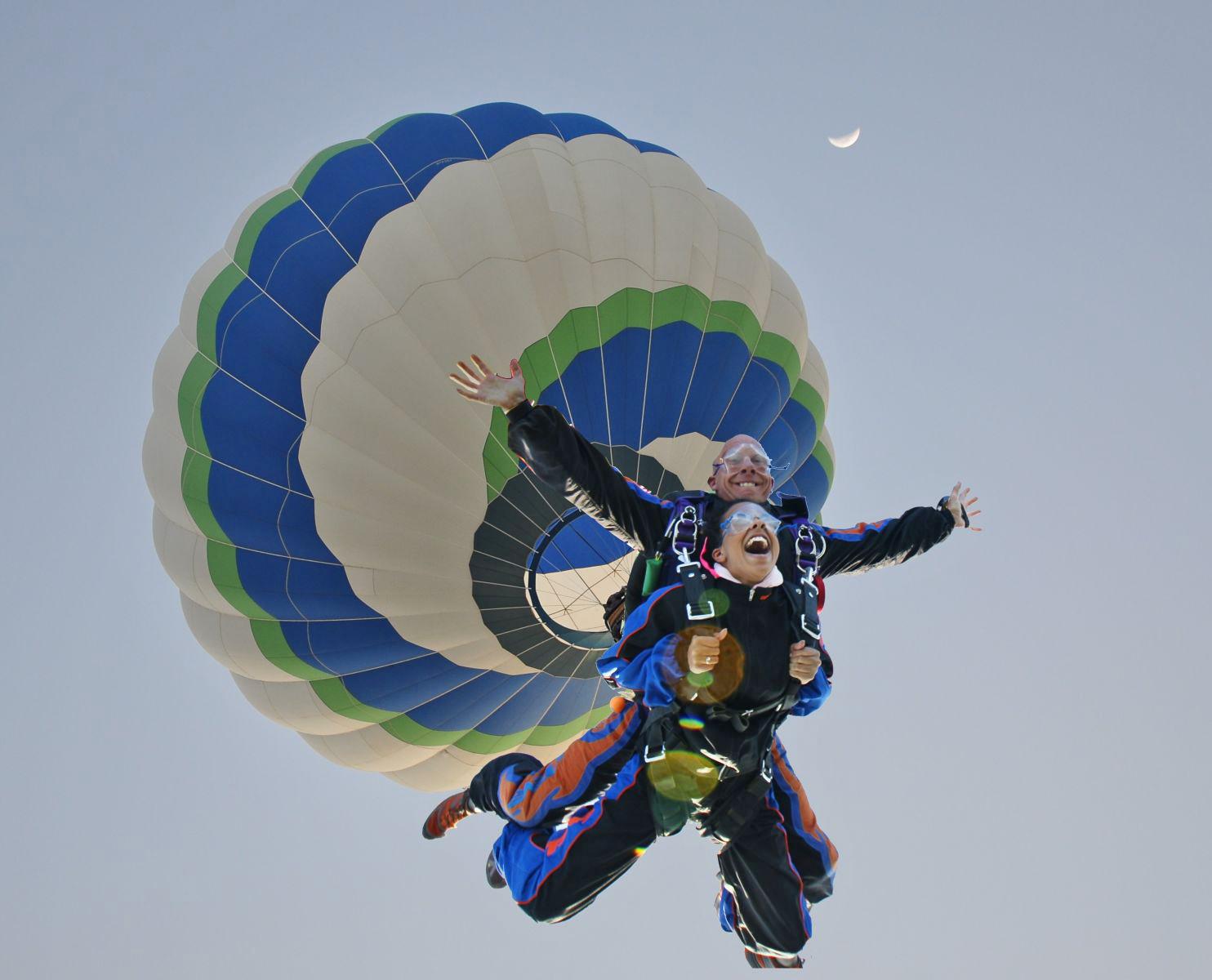 Skydiven vanuit een Luchtballon!