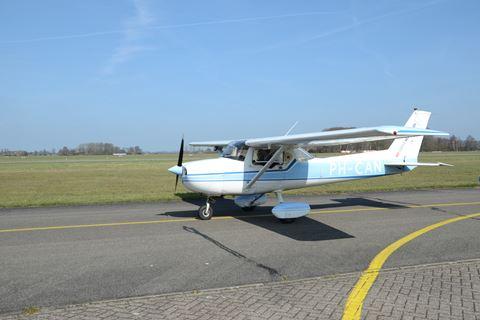 Zelf vliegtuig besturen Sky Service Netherlands