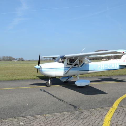 Zelf een vliegtuig besturen bij Sky Service Netherlands