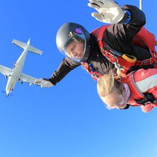 Tandem parachutesprong