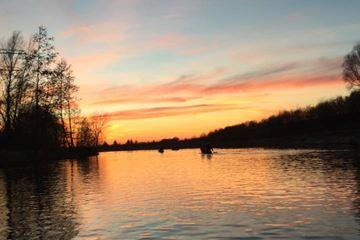 Kanoën bij zonsondergang...
