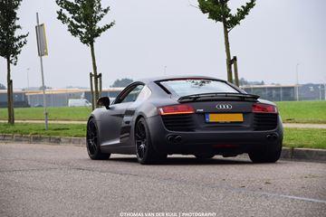 AudiR8-op-straat