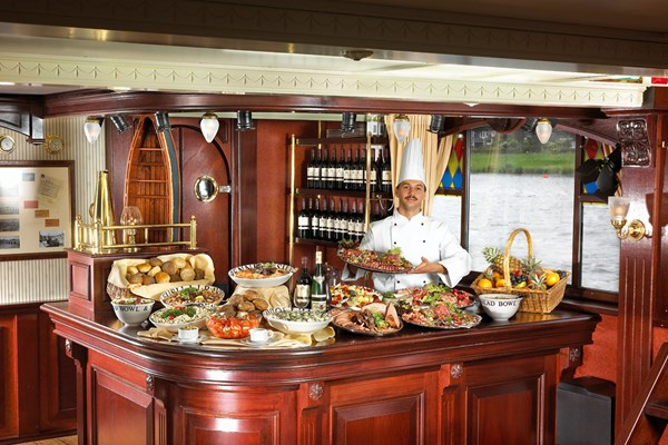 Warm en koud buffet dinner cruise