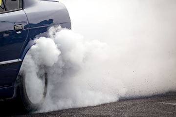 Rook banden auto