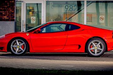 Zelf rijden in Ferrari 360