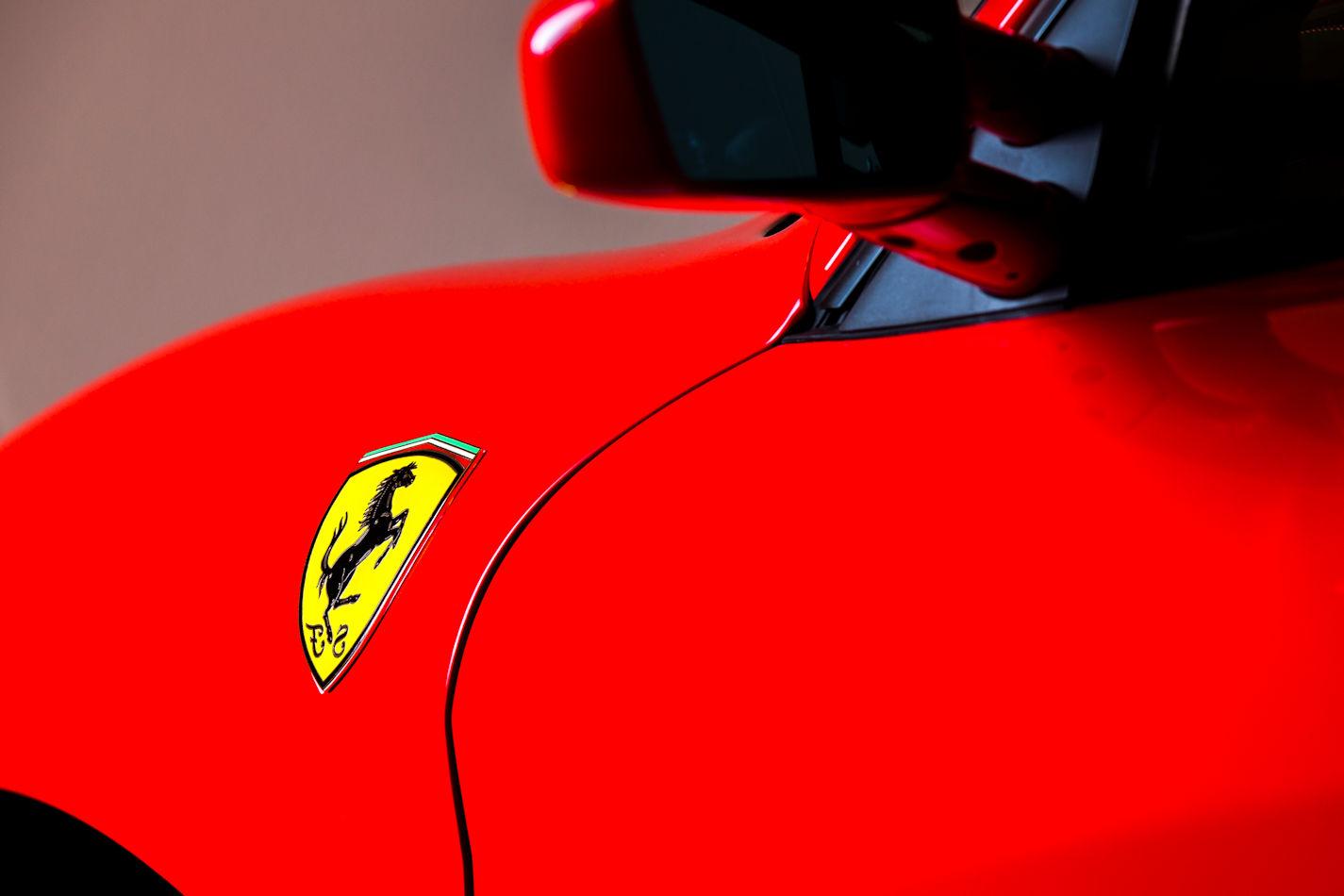 Bestuur een Ferrari F430!