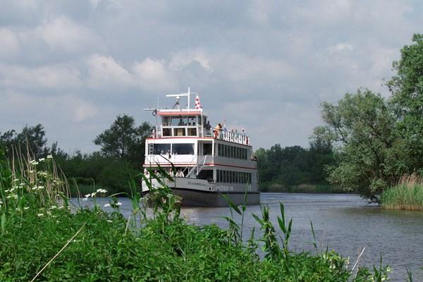 Rondvaartboot Biesbosch