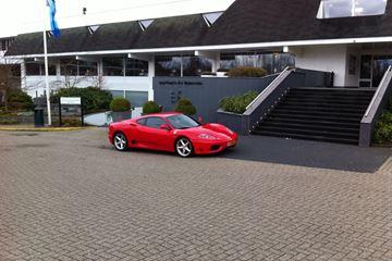 Ferrari bij Van der Valk hotel