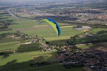 Uitzicht landschap paragliden
