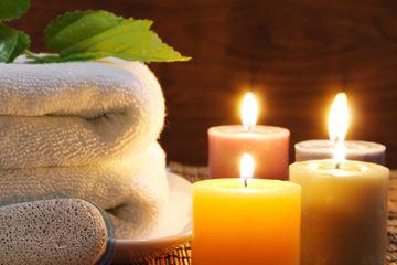 Kaarsen en handdoek