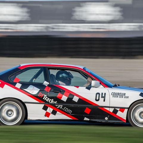 Mee racen in een BMW