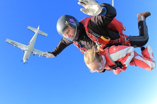 Parachute sprong