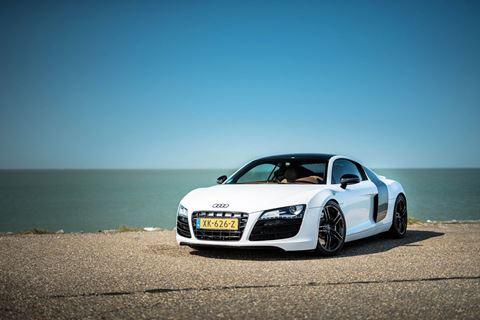 Zelf een Audi R8 besturen