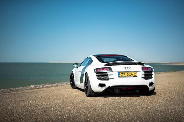 Audi R8 aan het water
