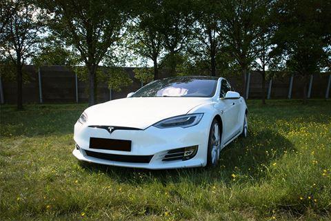 Tesla rijden