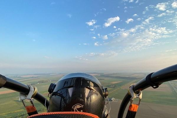 Uitzicht vanuit paramotor